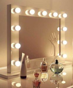 Hollywood Lovely spejl i højglans hvid og dæmpbare LED pærer 80 × 60 cm