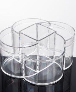 Konstrueret af kraftig støbt klar akryl og måler B17 x H8.5 x L15.5 cm.
