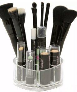 Hellolovely mini makeup akryl beholder til makeupbordet. Opbevar dine yndlings makeup og makeup udstyri vores store og flotte hjerteformede holder med 8 små rum.