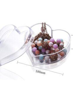 Hellolovely hjerteformet beholder med låg til smykker og andet tilbehør. Opbevar dine yndlings smykker eller udstyr i vores flotte hjerteformede beholder.